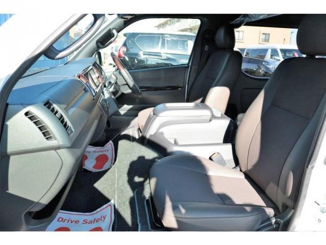 新車未登録 50THアニバーサリー 4WD ワイドボディ(4枚目)