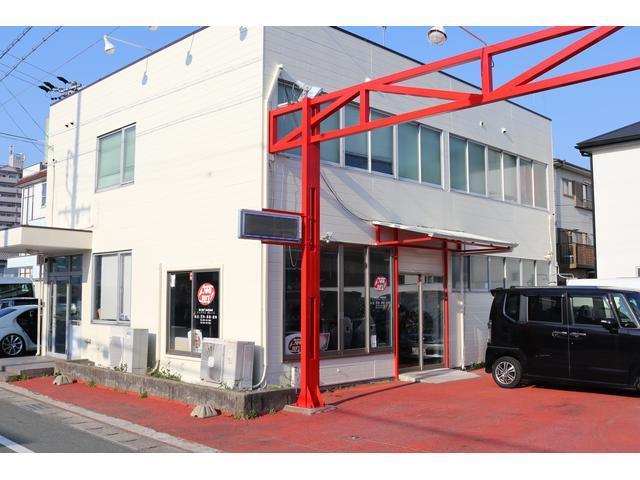 【インアウトガレージ】東名浜松インターを降りて西へ7分程の位置にございます。