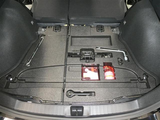 Sセーフティプラス TSSP スマートキー LEDヘッドライト フルセグナビ バックモニター ETC ワンオーナー車 リアスポイラー付 純正アルミホイール CD/DVD再生付き オートエアコン 横滑り防止装置付き(18枚目)