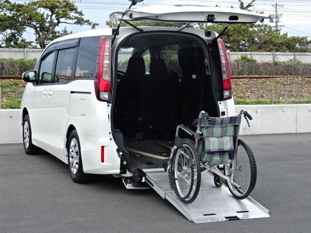 X Vパッケージ リアスローパー タイプ1 車いす2脚仕様(3枚目)