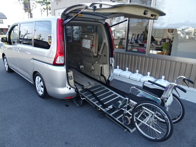 リアスローパー 車いす2基積み 電動ウィンチ ニールダウン(2枚目)