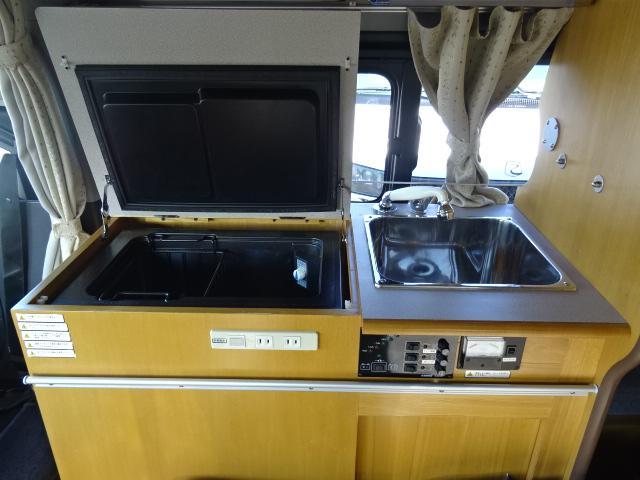 ナッツRV ラディッシュ マックスファン・上開き冷蔵庫・シングルサブバッテリー・パナソニックナビ・LEDヘッドライト(9枚目)