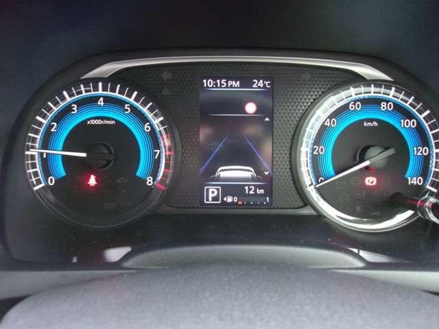 T 届出済未使用車 マイパイロット ターボ車 LEDヘッドライト デジタルルームミラー(マルチアラウンドモニター付) 純正15インチアルミホイール スマートキー 寒冷地仕様 フロントシートヒーター(12枚目)