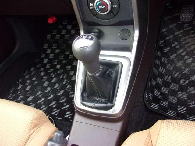 ローブ 純正16インチアルミホイール ターボ車 LEDヘッドライト シートヒーター スマートキー ディスプレイオーディオ 横滑り防止装置 オートエアコン(11枚目)