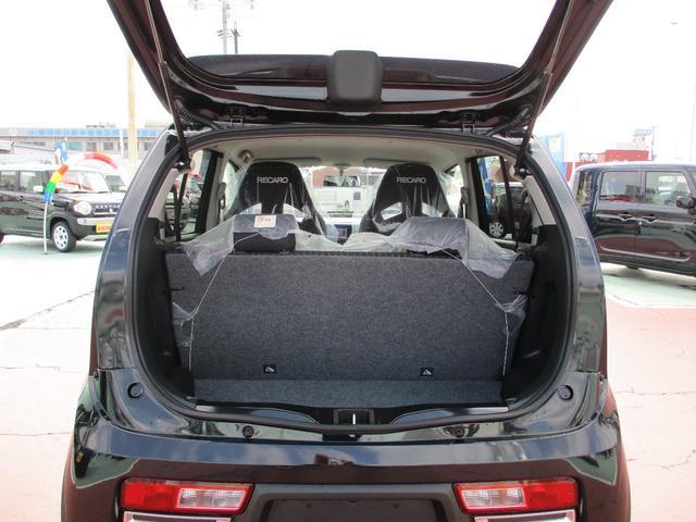 ターボ4WD 5速マニュアル レカロシート 届出済未使用車(12枚目)