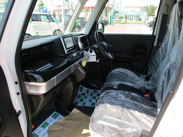 ハイブリッドGS 4WD 届出済未使用車 衝突軽減ブレーキ ナビ TV DVD CD 全方位カメラ ヘットアップディスプレイ LEDヘッドライト(17枚目)