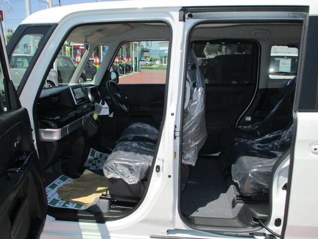 ハイブリッドGS 4WD 届出済未使用車 衝突軽減ブレーキ ナビ TV DVD CD 全方位カメラ ヘットアップディスプレイ LEDヘッドライト(18枚目)