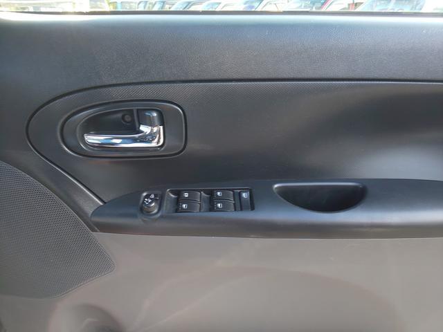 運転席側のドアのスイッチの画像です!