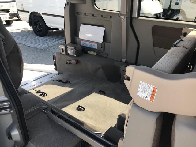 福祉車両 AT 両側スライドドア オーディオ付 4名乗り(8枚目)