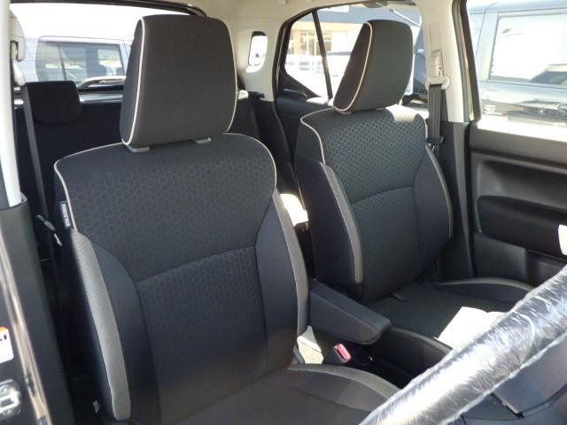 ホールド性の高いシートで、長距離の運転もラクです。