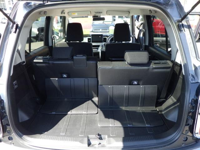 後席背面と、ラゲッジスペースには防汚素材を使用。濡れた荷物や汚れた道具もガンガン積んでください!