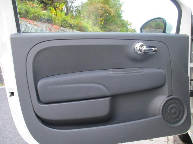 1.2 スーパーポップ バースデイエディション 正規ディーラー車 キーレス 記録簿 SDナビ地デジ ETC フルフラット CD 電動ミラー ABS Wエアバック エアコン パワステ アイドリングストップ スペアキー 取扱説明書 MTモード(15枚目)