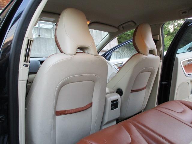 ドライブe 1オーナー 純正HDDフルセグナビ Bluetooth DVD再生 ETC HIDヘッド パワーシート シートヒーター スマートキー プッシュスタート シティセーフティ 正規ディーラー車 取扱説明書(13枚目)