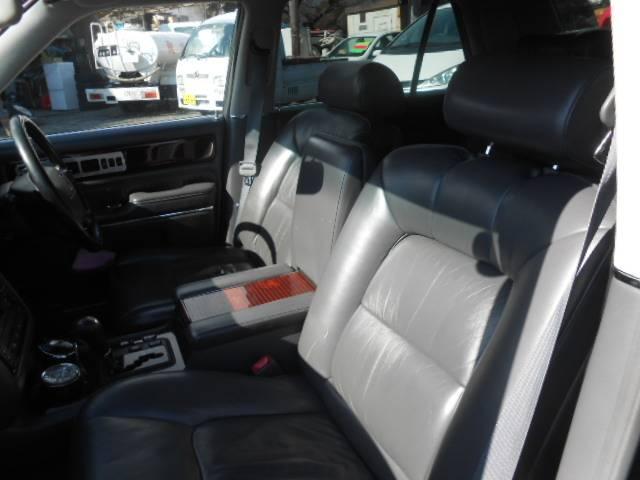 標準仕様車 デュアルEMVパッケージ パワーシート ETC(10枚目)