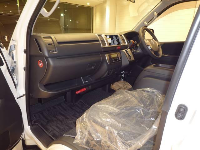 トヨタ ハイエースバン ロングスーパーGL 6AT 新車未登録