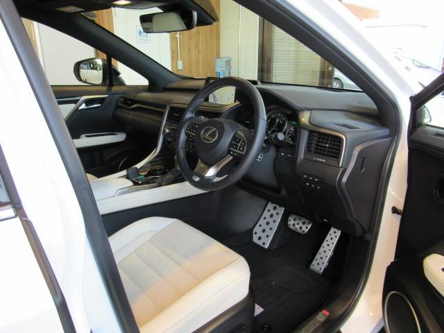 レクサス RX RX200t Fスポーツ 4WD 白革 サンルーフ