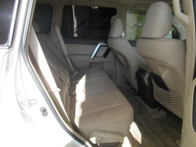 トヨタ ランドクルーザープラド TX Lパッケージ TSSP 本革 7人乗り 新車未登録