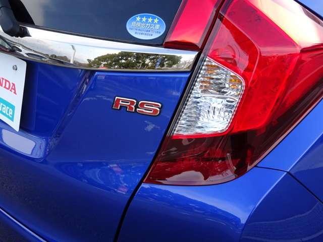 ホンダ フィット RS 6速ギアMT ナビ リアカメラ