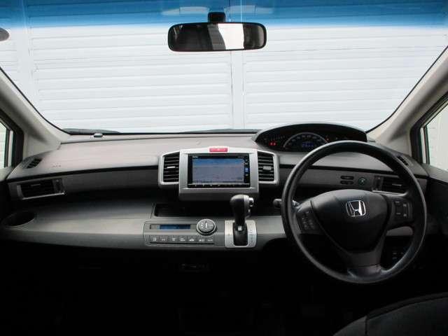 G プレミアムエディション ナビ リアカメラ ETC CTBA クルコン 4WD 両側電動スライドドア スマートキー 盗難防止システム HIDヘッドライト  横滑り防止装置 3列シート ウォークスルー フルセグ 後席モニター(2枚目)
