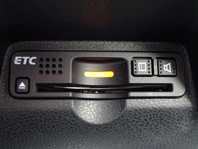 ハイブリッド・スマートセレクション 1年間走行距離無制限保証付き メモリーナビ ワンセグTV Rカメラ HIDヘッドライト クルコン スマートキー ETC ワンオーナー 盗難防止システム 禁煙車 横滑り防止 ABS DVD CD ABS(16枚目)