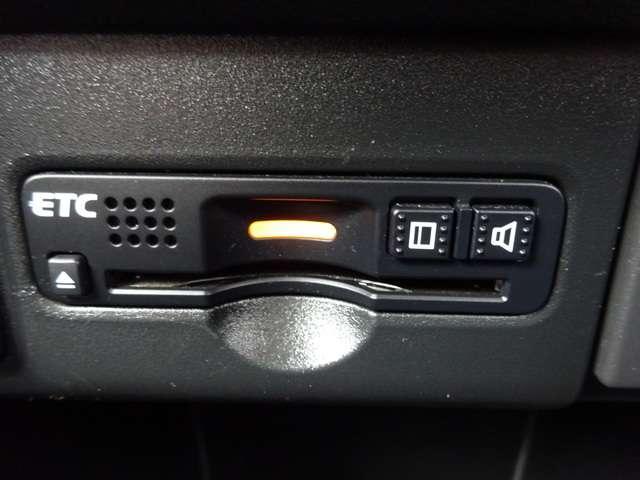 G SSパッケージ 1年間走行距離無制限保証付き メモリーナビ フルセグ Rカメラ 両側電動スライドドア ETC HID AW シートヒーター スマートキー DVD アイドリングストップ CD 盗難防止装置 ベンチシート(17枚目)