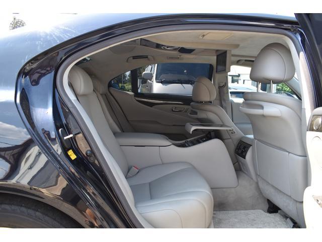 LS600hL後席セパレートシートパッケージ サンルーフ(17枚目)