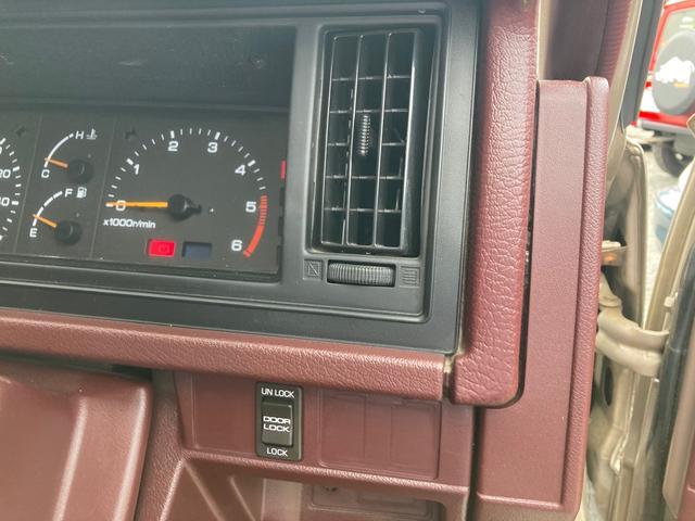5速マニュアル 2000ccディーゼル サンルーフ 車検整備付き スライドドア AW ETC エアコン パワステ パワーウインドウ シルバーII(4枚目)