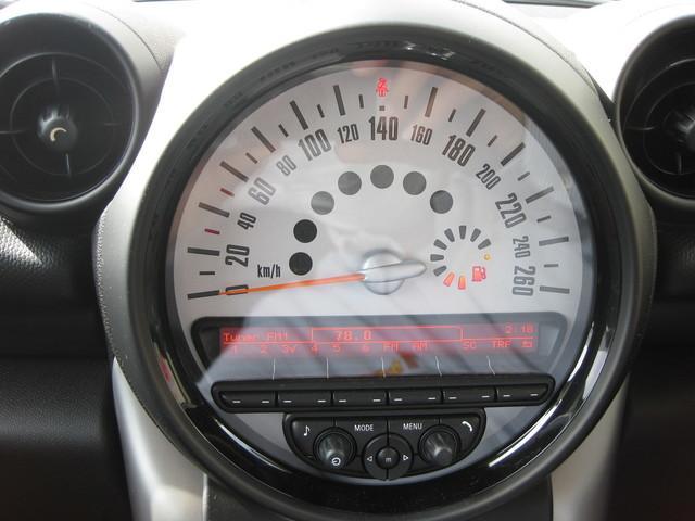 クーパー クロスオーバー 6速マニュアル/HIDライト/純正16インチAW/キーレス/フロアマット/フォグランプ(15枚目)