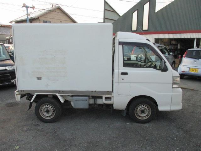 FRP中温冷凍車(8枚目)