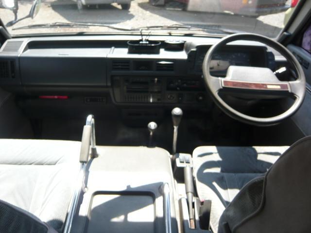 マツダ ボンゴワゴン リミテッド サンルーフ付ミドルルーフ 4WD ターボ 5MT