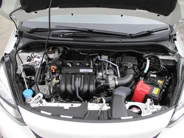 ベーシック 当社元レンタカー ギャザズナビ Bカメラ ETC フルセグ DVD CD録音 Bluetooth 追突軽減ブレーキ スマートキー アイドリングストップ 禁煙車 新車保証継承(20枚目)