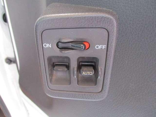 タウン エアコン パワーウインドウ キーレス CDコンポ 運転性助手席エアバッグ 荷台ランプ 当社下取りワンオーナー 禁煙車(2枚目)