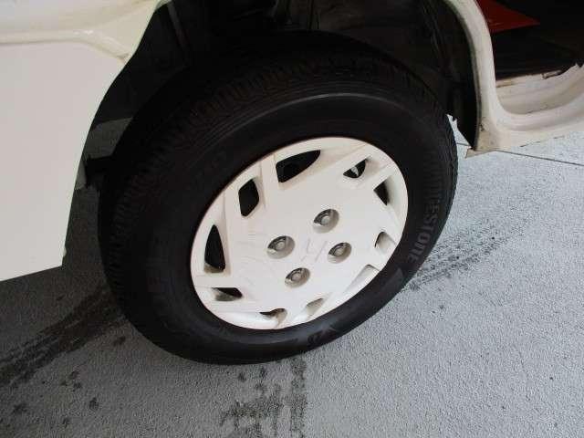 タウン エアコン パワーウインドウ キーレス CDコンポ 運転性助手席エアバッグ 荷台ランプ 当社下取りワンオーナー 禁煙車(18枚目)
