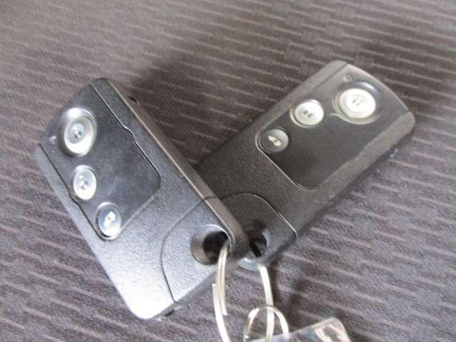 G ジャストセレクション 社外ナビ Bカメラ ETC フルセグ Bluetooth接続 スマートキー 両側スライド片側電動スライドドア アルミホイール 3列シート(18枚目)