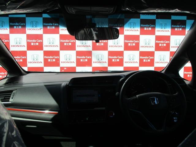 ホンダ フィット RS ホンダセンシング6MT登録済未使用車ナビ付