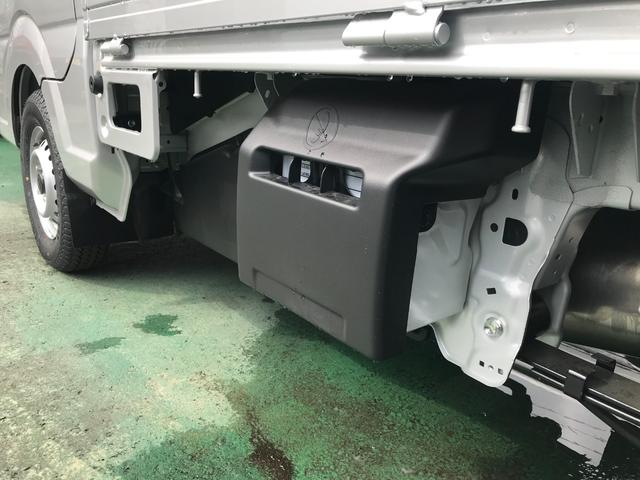 KC 4WD 届出済未使用車 マット バイザー付き(10枚目)