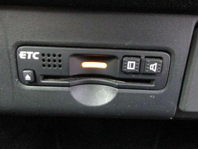 G・ターボLパッケージ 純正ナビTV Rカメラ ETC メモリーナビ フルセグTV アイドリングストップ アルミホイール 両側電動スライドドア スマートキー バックカメラ ターボ 盗難防止システム HIDヘッドライト ベンチシート CD 横滑り防止装置(20枚目)