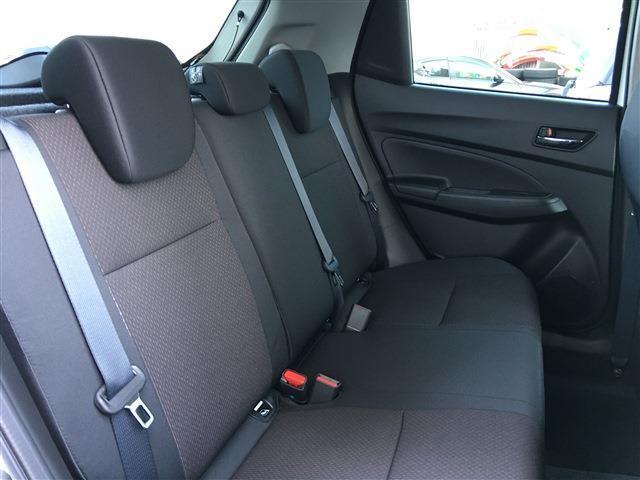 ベースグレード 新型 セーフティーサポート BSM付 6速マニュアル 登録済未使用車(8枚目)