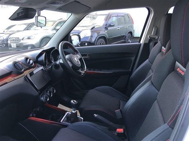 ベースグレード 新型 セーフティーサポート BSM付 6速マニュアル 登録済未使用車(17枚目)