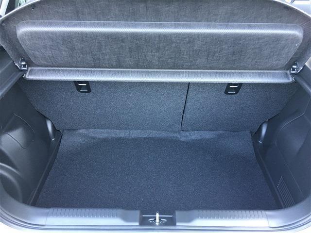 ベースグレード 新型 セーフティーサポート BSM付 6速マニュアル 登録済未使用車(18枚目)