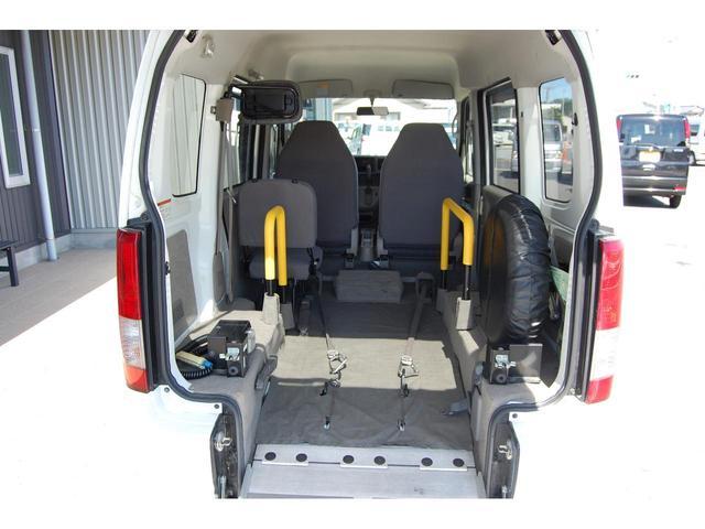 スローパー福祉車両 リクライニング車いす可 手すり交換済(15枚目)