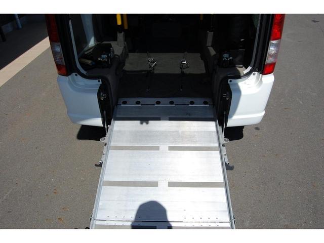 スローパー福祉車両 リクライニング車いす可 手すり交換済(16枚目)