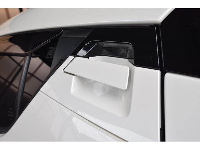 「トヨタ」「C-HR」「SUV・クロカン」「静岡県」の中古車64