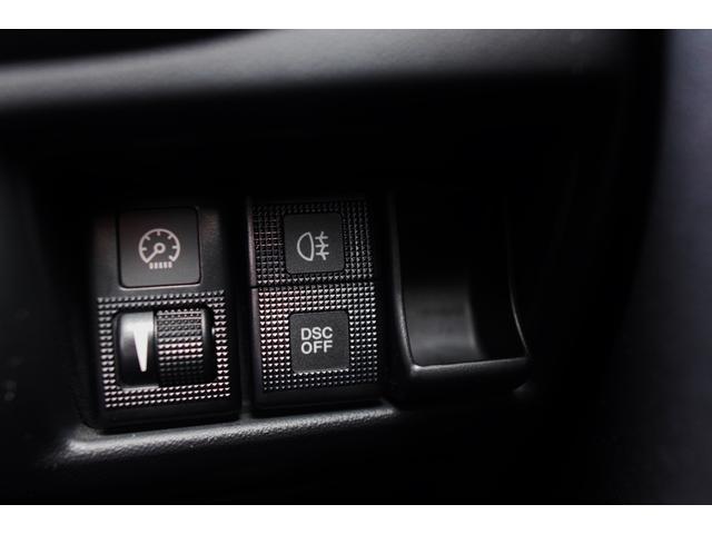 タイプRS パナソニックナビ 地上デジタルTV DVDビデオ Bluetooth ETC 19インチアルミホイール ハーフレザーレカロシート 禁煙車 圧縮測定済み ビルシュタインダンパー アドバンストキー HID(40枚目)