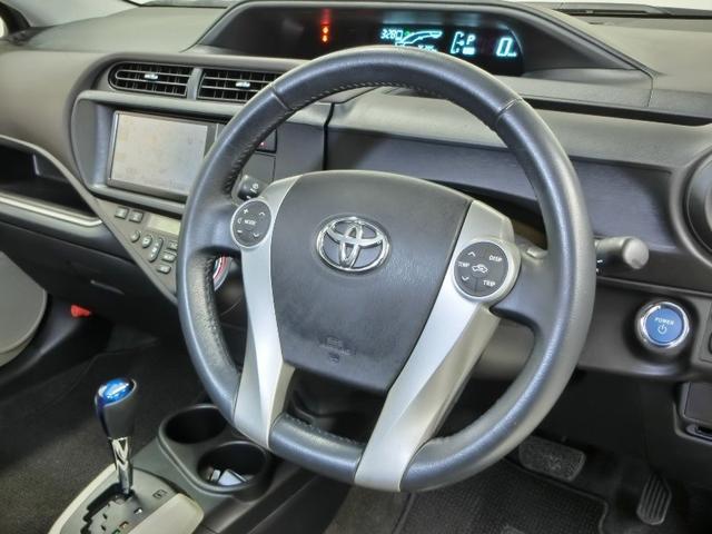 トヨタ アクア G LED シートヒーター 純正ナビ