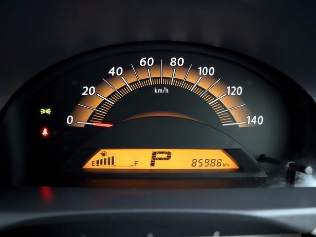 【メーター】現在の走行距離は85988kmでございます。