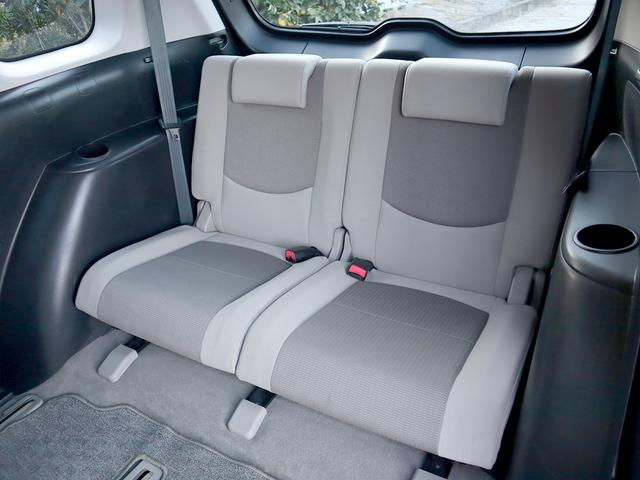 【3列目シート】3列目シートもゆったり快適に座って頂けますので、後部座席の方も楽しくドライブに参加して頂けます。