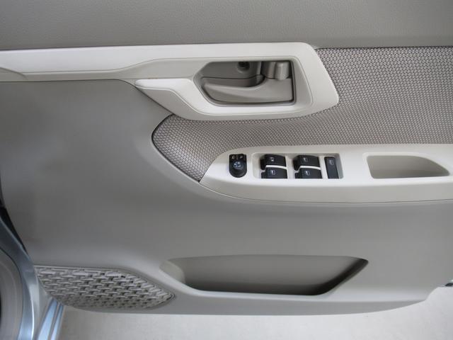 X SA スマートアシスト・アイドリングストップ機能・純正アルミホイール・スマートキー・CDチューナー装着車(19枚目)