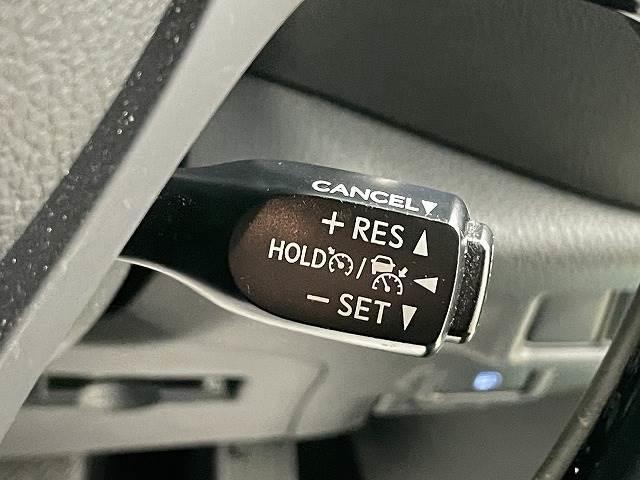 S フルセグ9型ナビ バックカメラ ETC スマートキー プッシュスタート クルーズコントロール ドライブレコーダー 純正アルミ ステアリングリモコン(4枚目)