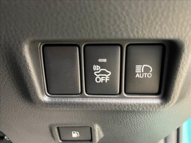 S フルセグ9型ナビ バックカメラ ETC スマートキー プッシュスタート クルーズコントロール ドライブレコーダー 純正アルミ ステアリングリモコン(7枚目)